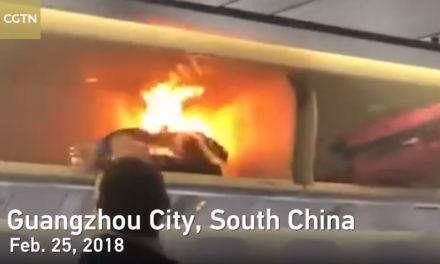 พาวเวอร์แบงก์ไฟลุกกลางเครื่องบิน