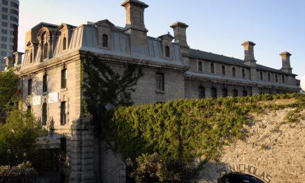 กล้าไหมกับที่พักขนหัวลุก ฉลองฮัลโลวีนที่บ้านผีสิง โฮสเทลหลอน และปราสาทสุดสะพรึงที่แนะนำในรีวิวของลูกค้า Booking.com